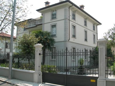 Ristrutturazione di una villa primi 39 900 di paola de for Ville stile classico