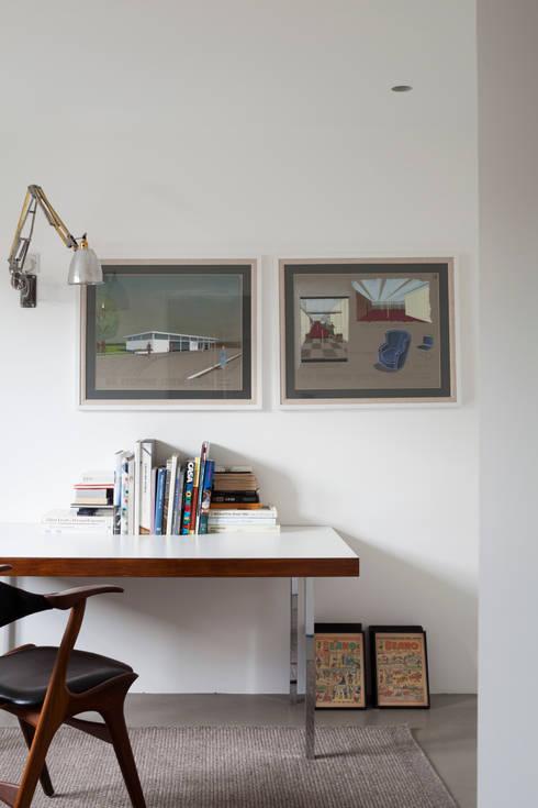 St Johns Avenue: modern Study/office by Flower Michelin