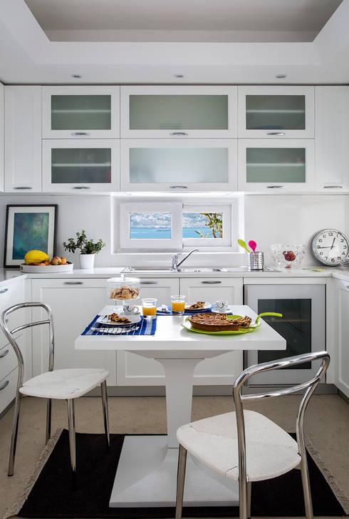 Cucina: Cucina in stile in stile Mediterraneo di PDV studio di progettazione