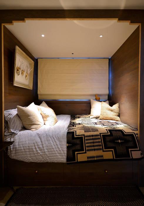 Barlow & Barlow Design: eklektik tarz tarz Yatak Odası