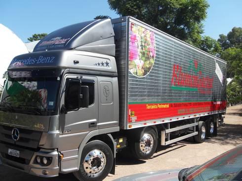 Veículos de Entrega: Espaços comerciais  por Blumengarten Plantas e Flores LTDA
