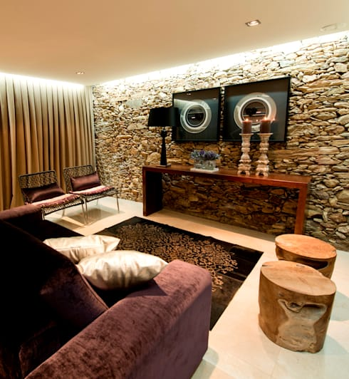 Living room by PAULA NOVAIS ARQUITECTOS E DESIGN