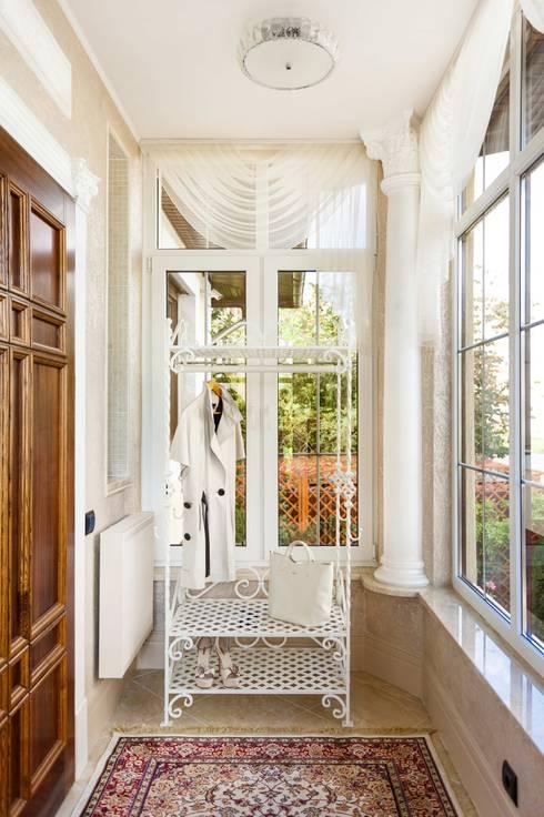 Corridor & hallway by AGRAFFE design