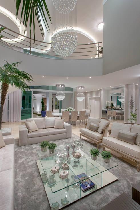 Wohnzimmer von Arquiteto Aquiles Nícolas Kílaris