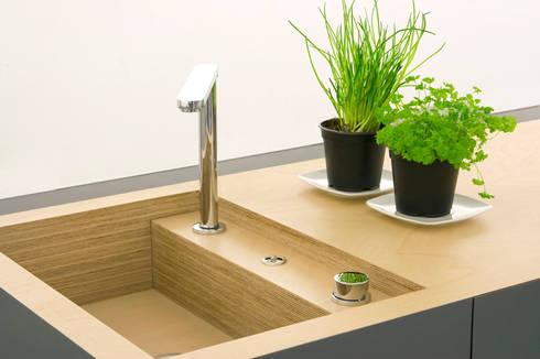 kompaktk che small type von krinola homify. Black Bedroom Furniture Sets. Home Design Ideas