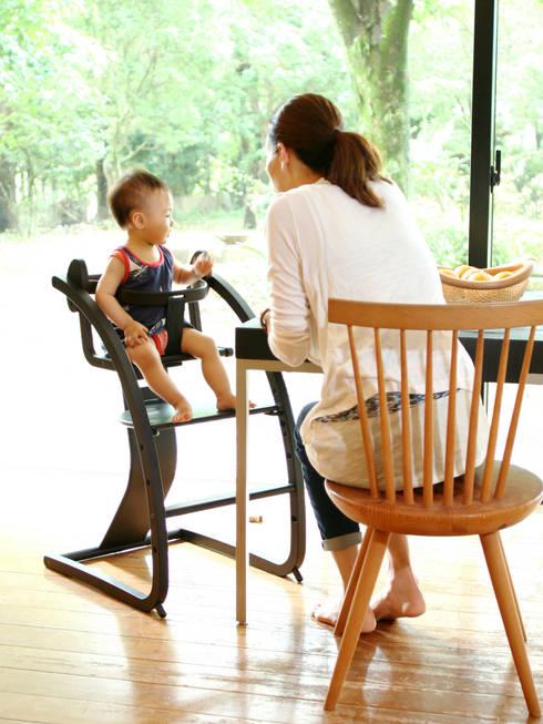 Bambini + baby set (STC-05): 佐々木デザインインターナショナル株式会社が手掛けたリビングルームです。