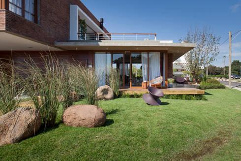 Casa Marítimo - Seferin Arquitetura: Casas modernas por Seferin Arquitetura