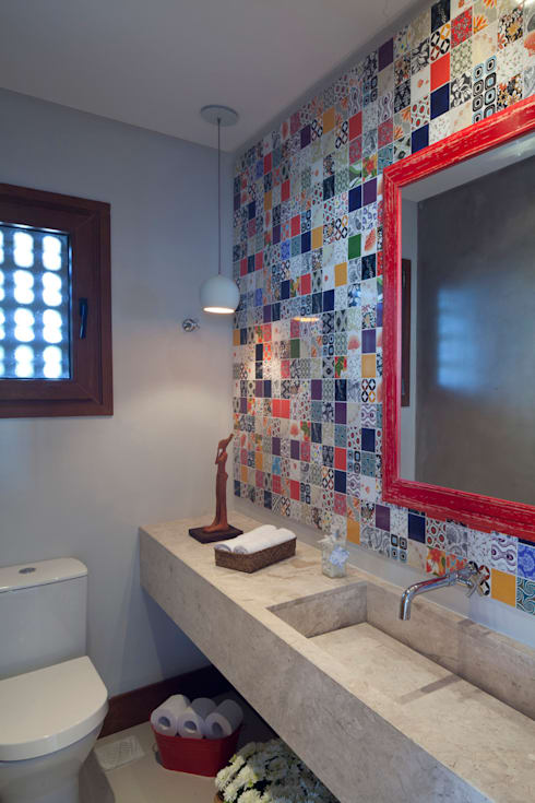 Casa Marítimo - Seferin Arquitetura: Banheiros  por Seferin Arquitetura
