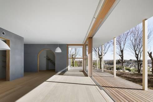 SHR house: sun tan architects studioが手掛けたベランダです。