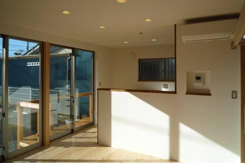 リビング: 石井設計事務所/Ishii Design Office が手掛けたリビングです。