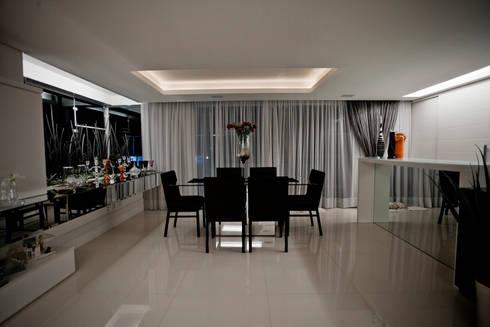 Apartamento E&E.S - Sala de Jantar: Salas de jantar modernas por Kali Arquitetura