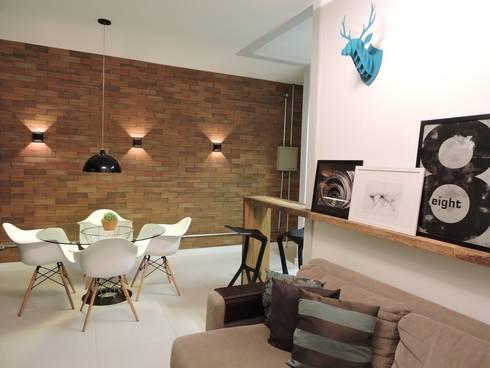 apartamento WB: Salas de estar industriais por SPOT161 arquitetura + design