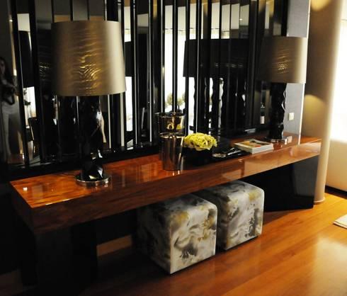 APARTAMENTO _ GUIMARÃES: Salas de estar modernas por PAULA NOVAIS ARQUITECTOS E DESIGN