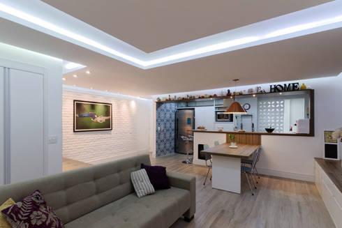Apartamento Itaim Bibi - 90m²: Salas de jantar minimalistas por Raphael Civille Arquitetura