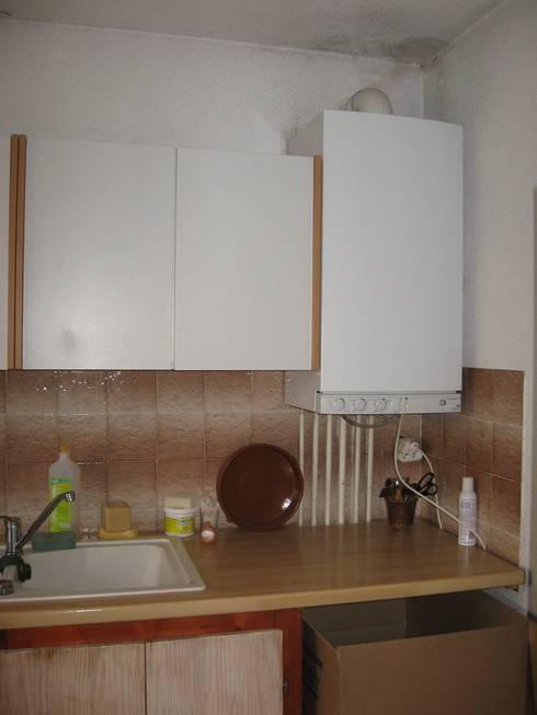 la cuisine avant travaux:  de style  par casa architectes