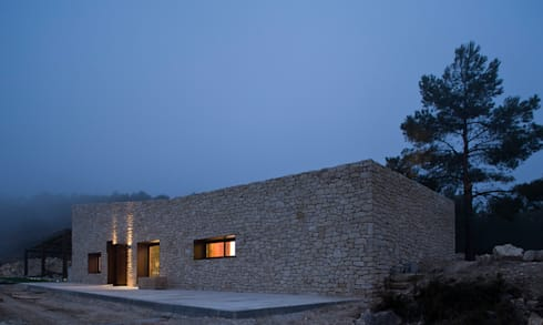 La noche americana: Casas de estilo rural de Tomás Amat Estudio de Arquitectura