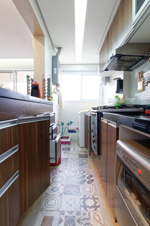 مطبخ تنفيذ Raphael Civille Arquitetura