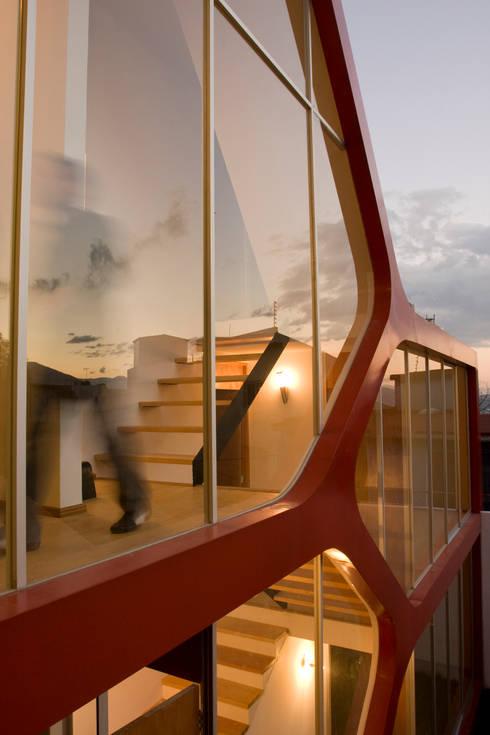 ATZ Living: Casas de estilo moderno por Craft Arquitectos