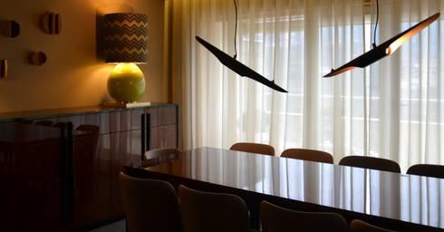 APARTAMENTO _ PORTO: Salas de jantar modernas por PAULA NOVAIS ARQUITECTOS E DESIGN