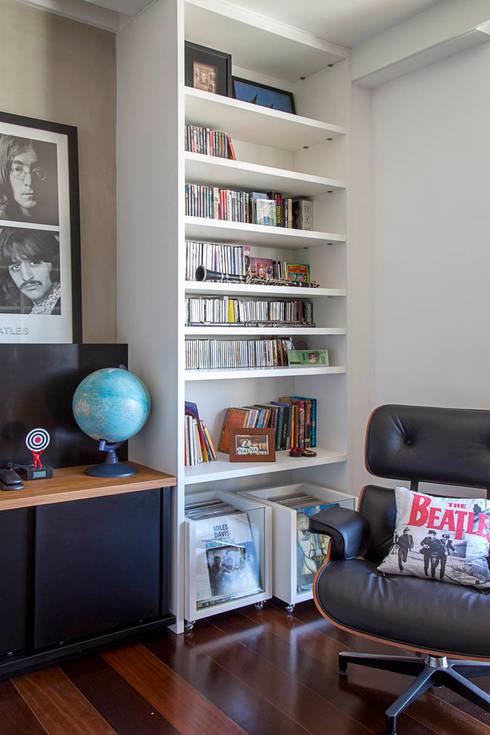 apartamento LAC: Quartos  por Raquel Junqueira Arquitetura