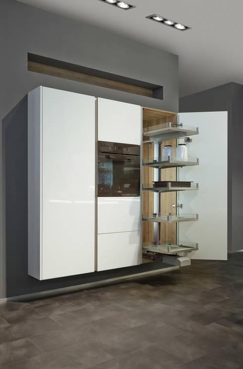 Küchenbau in Perfektion: moderne Küche von Tischlerei Tolinzki