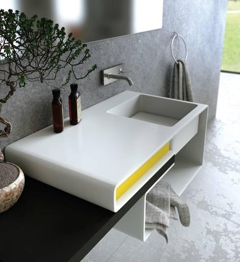 Baños de estilo moderno por MyBath