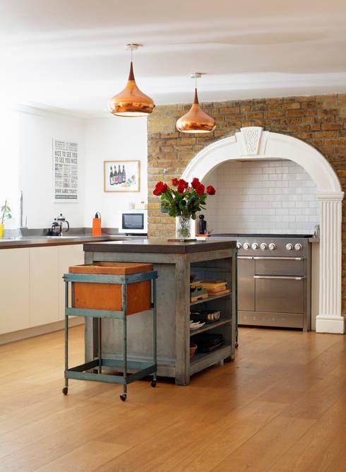 Kitchen by ReDesign London Ltd