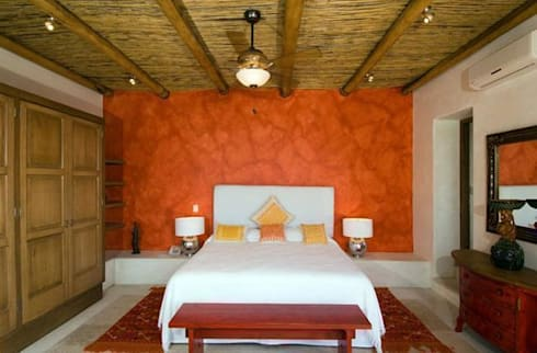 Villas Mandarinas: Recámaras de estilo mediterraneo por CASA MÉXICO