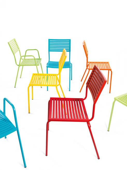 Elegant und in fröhlichen Farben | LAMELLO & BASIC:  Garten von Schaffner AG