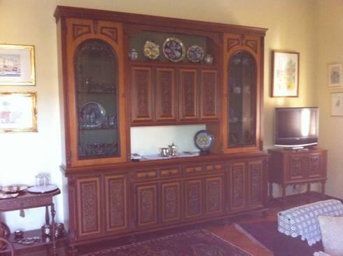 Mobile componibile e porta tv:  in stile  di Restauro e Restyling