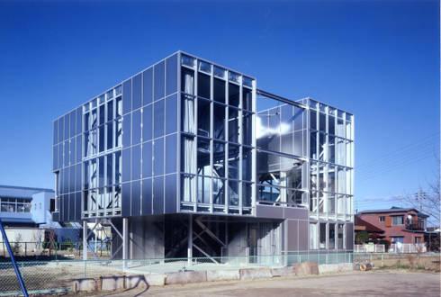 南西側外観: 井戸健治建築研究所 / Ido, Kenji Architectural Studioが手掛けた家です。