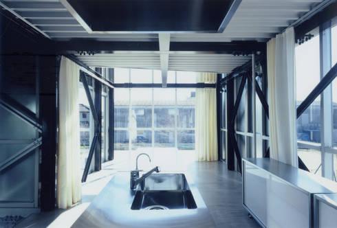 2階 兄世帯LDK: 井戸健治建築研究所 / Ido, Kenji Architectural Studioが手掛けたリビングです。