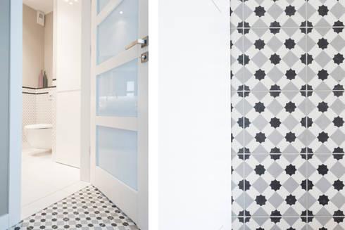 Mieszkanie – Warszawa – 85 m2: styl , w kategorii Korytarz, przedpokój zaprojektowany przez Mprojekt