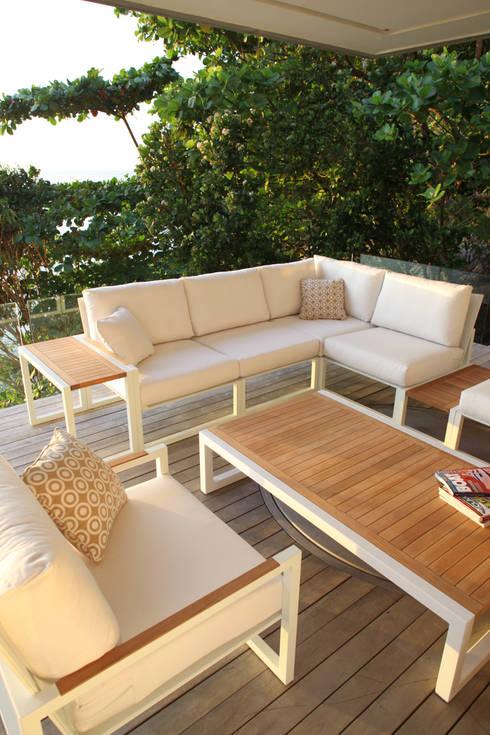 NINIX Lounge: Balcon, Veranda & Terrasse de style de style Moderne par Royal Botania