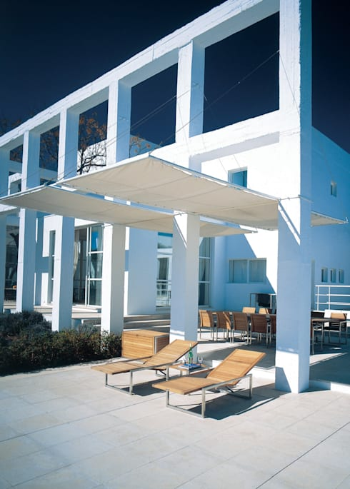 NINIX: Balcon, Veranda & Terrasse de style  par Royal Botania