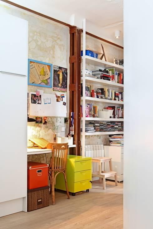 Studio in stile  di Sucursal urbana universo Sostenible