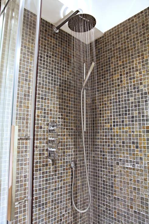 Baños de estilo  por Hudson Reed