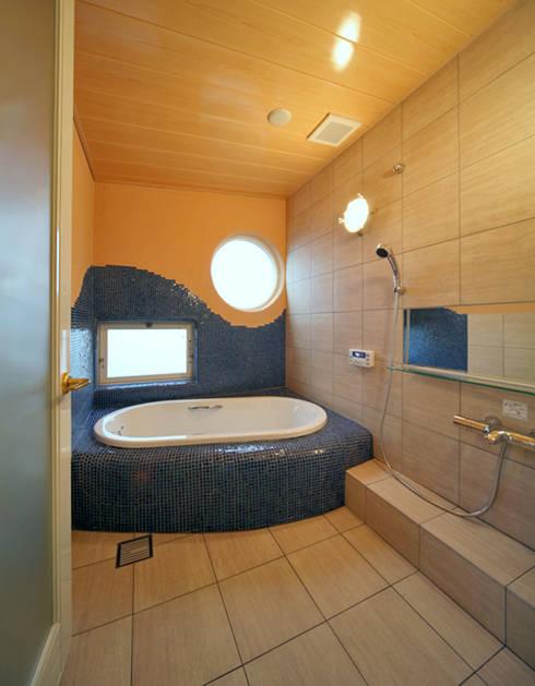Baños de estilo  por スタジオドディチ