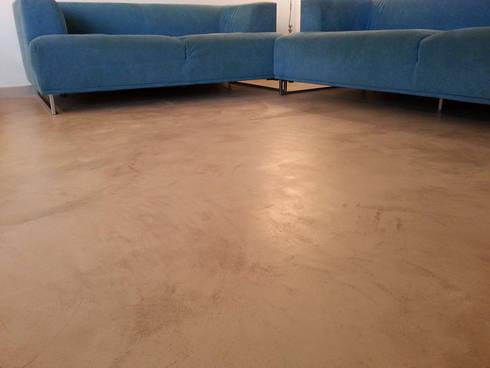 Pavimenti in cemento per interni spatolato a mano di Pavimento ...
