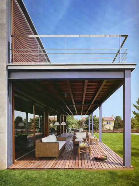 ระเบียง, นอกชาน by Artigas Arquitectes