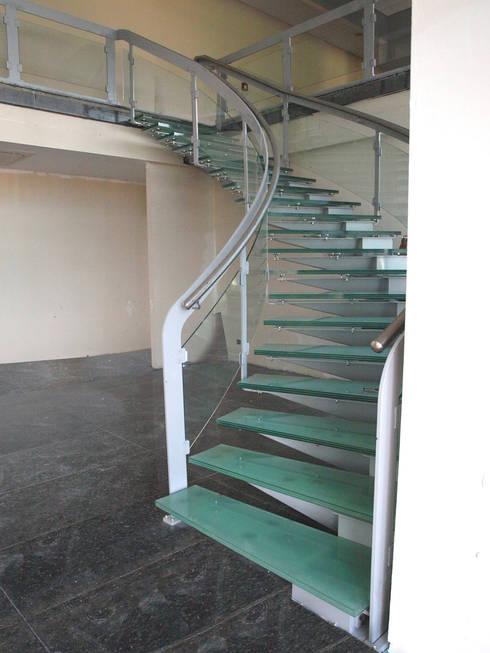 Visal Merdiven – Tümosan - Konya:  tarz Koridor, Hol & Merdivenler