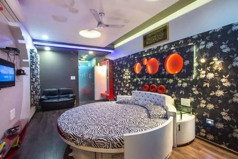 Mr Mulla Residence : modern Bedroom by Srujan Interiors & Architects Pvt Ltd