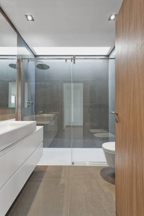 PM House: Casas de banho clássicas por m2.senos