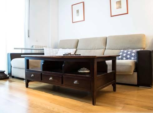 Sala de estar en Molins de Rei: Salones de estilo escandinavo de muxo Studio