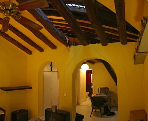 Foto del estado actual del salon:  de estilo  de B-mice Design + Architecture