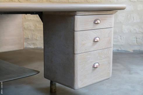 """Bureau """"4 postes"""" - détail caisson: Bureaux de style  par Jean Zündel meubles rares"""