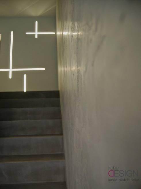 Gang, hal & trappenhuis door kabeDesign kasia białobłocka