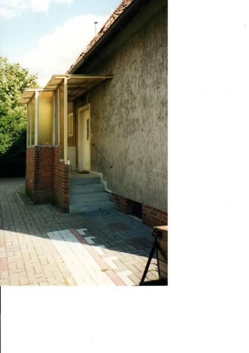 Eingangsbereich vorher:   von Architekturbüro Heike Krampitz
