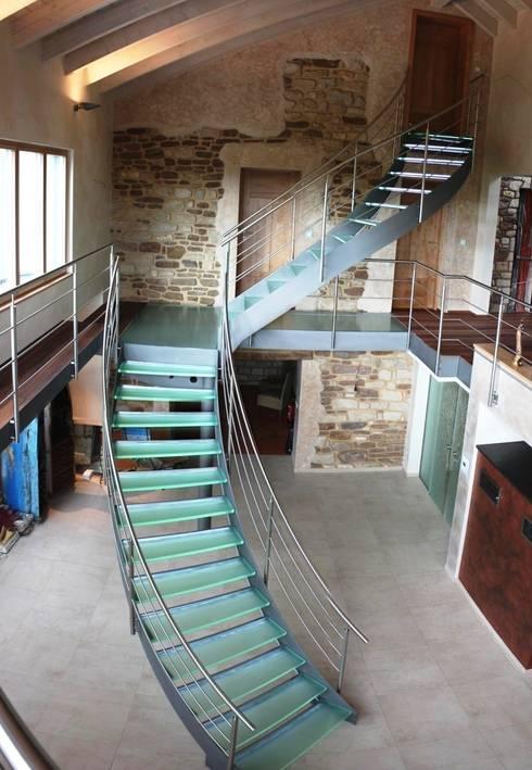 Glastreppe Luxemburg - Treppe des Jahres 2012 :  Flur & Diele von lifestyle-treppen.de