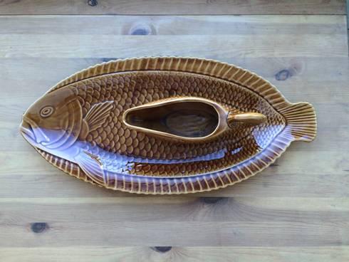 Fuente y salsera pez.: Comedor de estilo  de Meublé